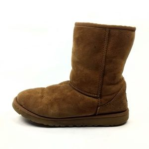 UGG Short Chestnut Sheepskin Boots SN5251 Size 6
